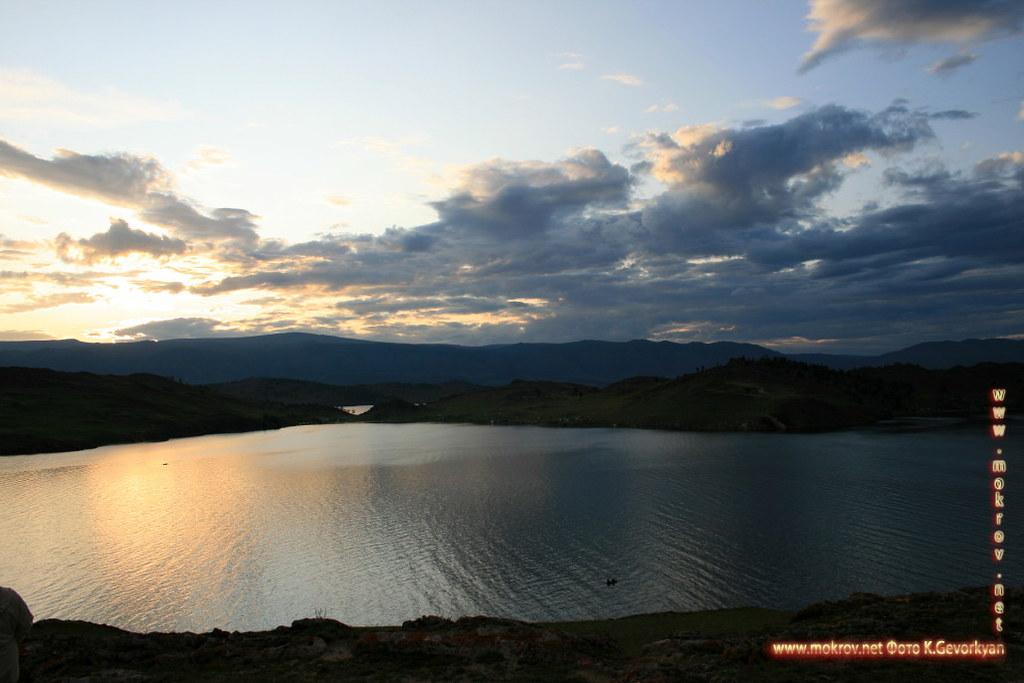 Малое море Озеро Байкал с фотокамерой прогулки туристов