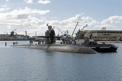 USS Olympia (SSN 717) approaches the pier at Joint Base Pearl Harbor-Hickam, Nov. 9. (U.S. Navy/MC2 Shaun Griffin)