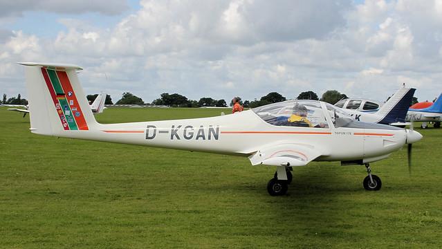 D-KGAN