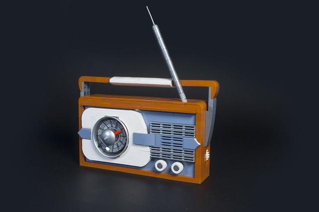 Beach party transistor, Pentax K200D, smc PENTAX-DA 18-55mm F3.5-5.6 AL II