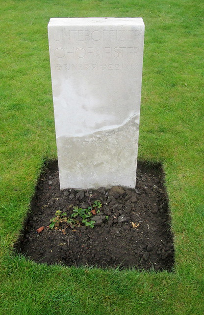 Wietje Farm Cemetery, German Grave