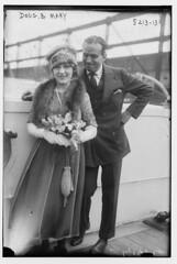 Doug [Fairbanks] & Mary [Pickford] (LOC)