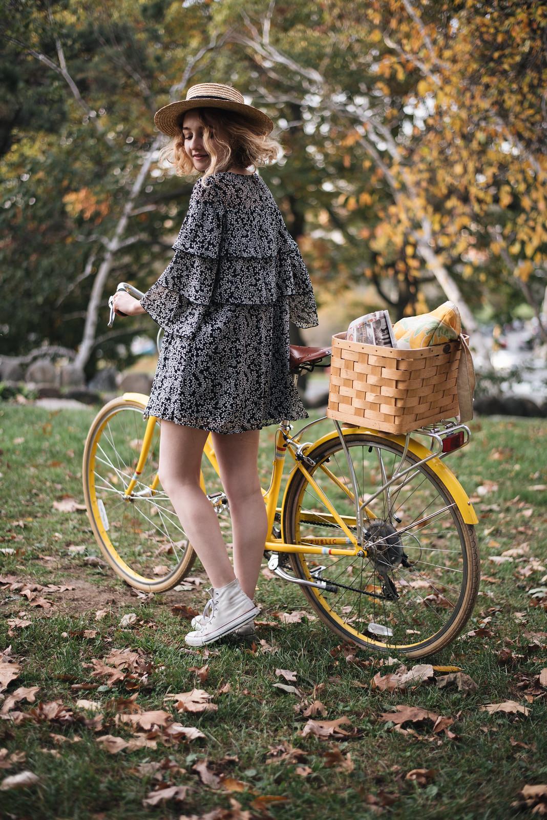 Floral Dress, Straw Hat, Converse, and Yellow Bike on juliettelaura.blogspot.com