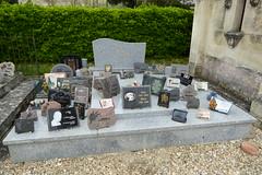 Graveyard, Saint-Germain-de-la-Rivière