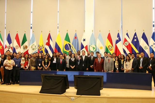 Foro de Juventudes del SICA en la sede del Parlamento Latinoamericano en Panamá