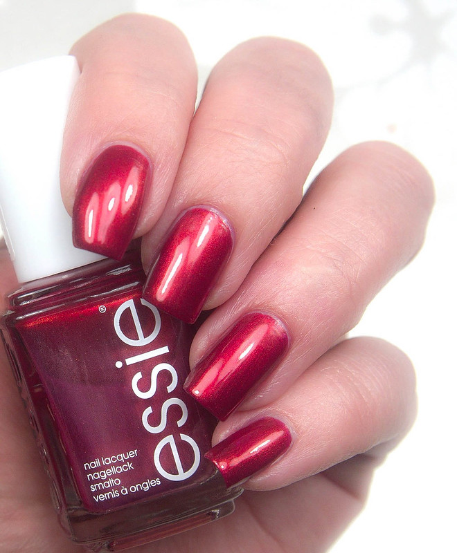 Essie Ring In The Bling