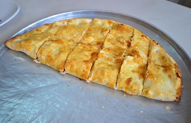 cebu capitol food trip ryan's pizzerella calzone