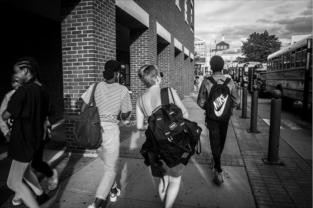 Что за жесть происходит с молодежью и почему больше нет субкультур