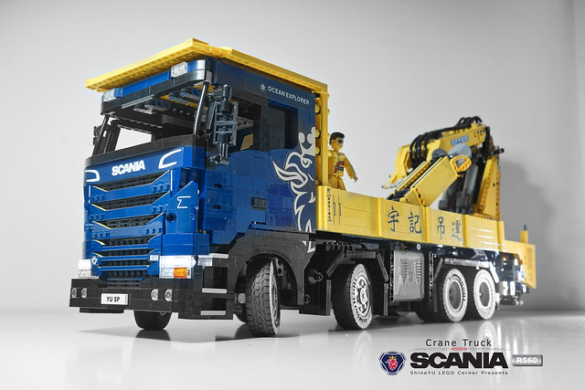 LEGO camion grue Scania R560