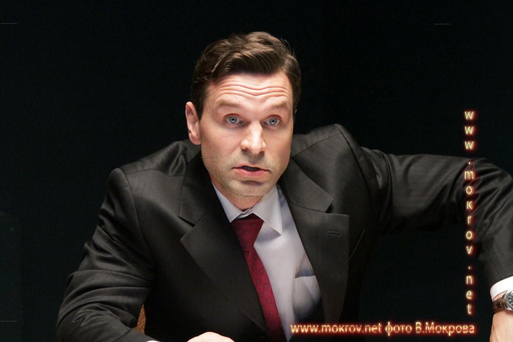 Актер - Добронравов Виктор