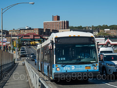 MTA Select Bus crossing the University Heights Bridge, West 207th Street, Inwood, New York City