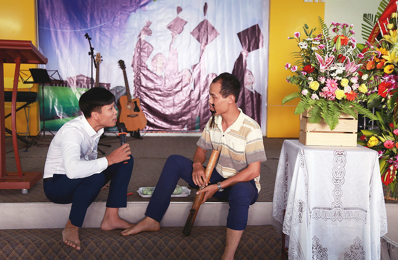 Le tot nghiep khoa hoc kinh thanh tai Mong Cai 11-2017 (2)