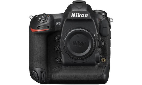 Le Nikon D5 : La NASA a reçu ses premières unités destinées à capturer des photos depuis l'orbite au-dessus de la Terre