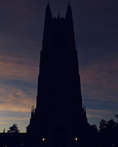 Sunset at @dukechapel always gives us the feels. #pictureDuke #findsanctuary //