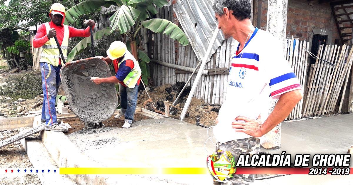 Calles Ítalo Colamarco y Salustio Giler mejoran su entorno