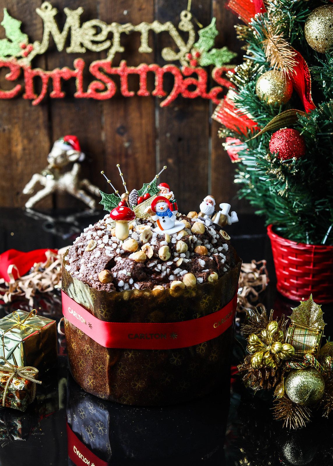 Christmas Log Cakes: Carlton