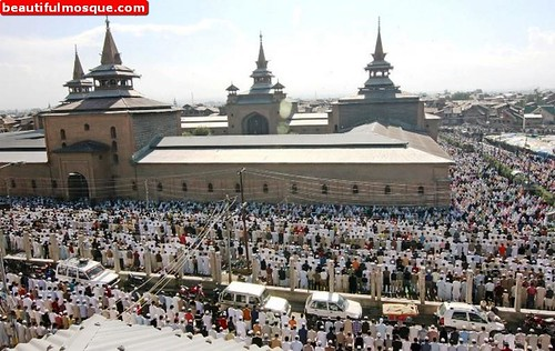 jamia-masjid-in-srinagar-india-14