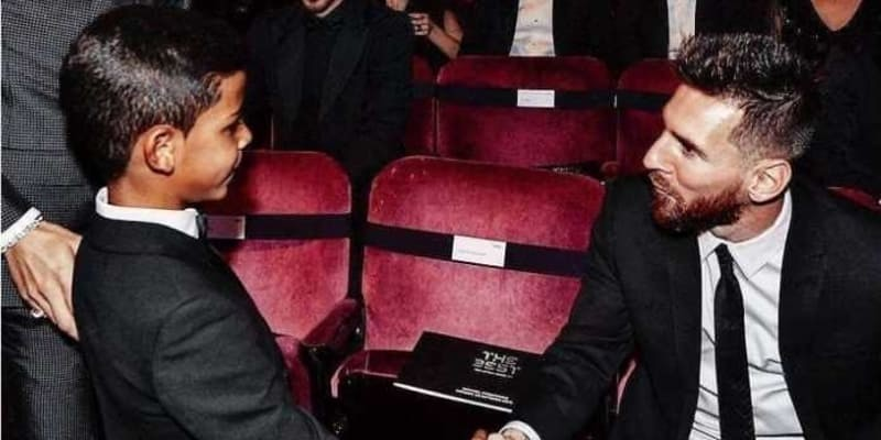 Celaka! Anak Ronaldo Malah Pilih Messi Pemain Pujaan