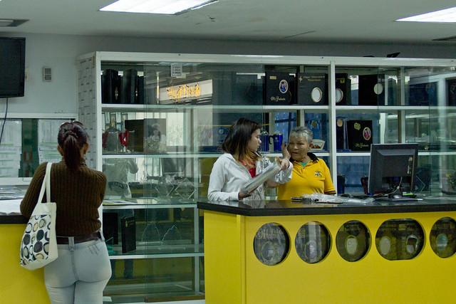 Recorrido tiendas de graduación_09Nov_Jorleanys Gil_1