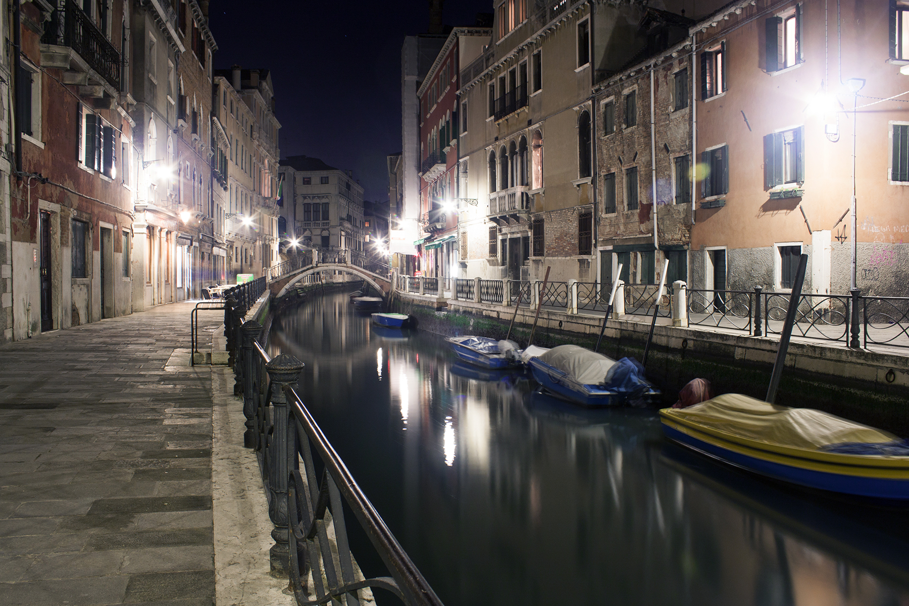 Streets of Venice, Canal at Night | awaywithkatie.com