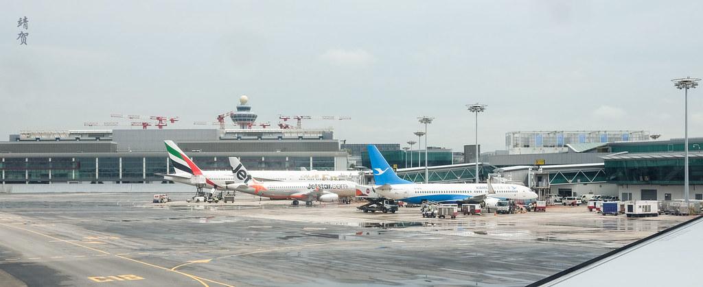 Emirates 777, Jetstar A320 and Xiamen 737