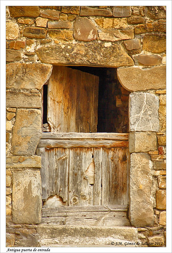 Puerta antigua. Old door