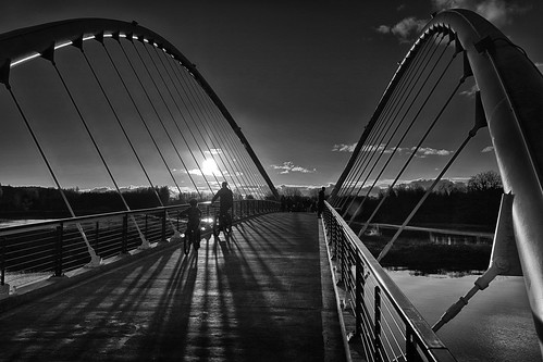 ian sane images cyclingatsunset cyclists sunset petercourtneymintoislandbridge black white candid street photography downtown salem oregon riverfront park willamette river minto canon eos 5ds r camera ef1740mm f4l usm lens