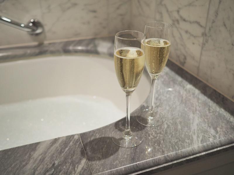 hotelli Kämp kylpy ja kuohuviini