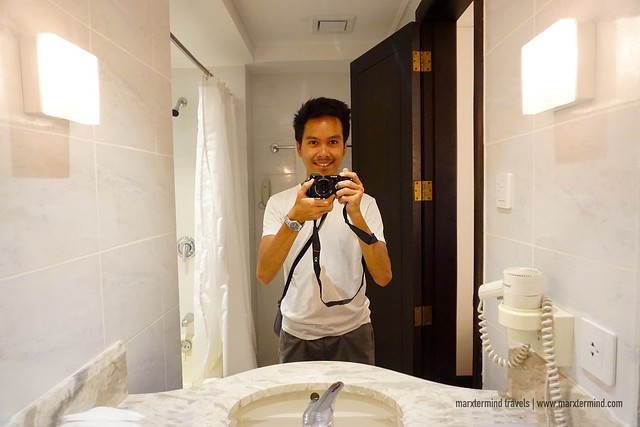 City Garden Hotel Makati Bathroom Selfie