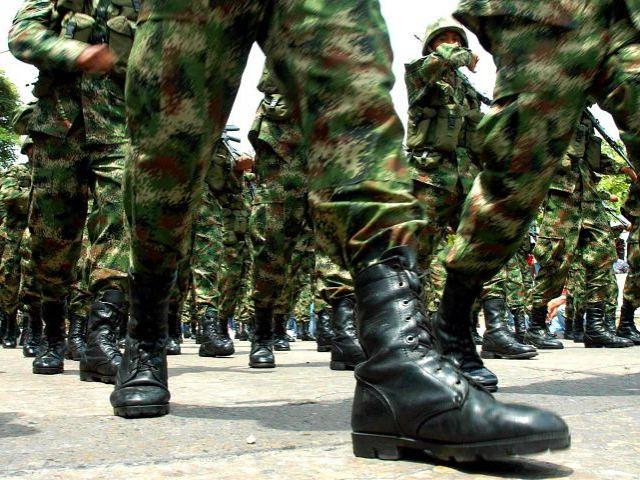 PÁG. 2 (1). De aprobarse la Ley de Seguridad Interior las botas militares podrán reprimir legalmente las manifestaciones sociales y a activistas políticos.