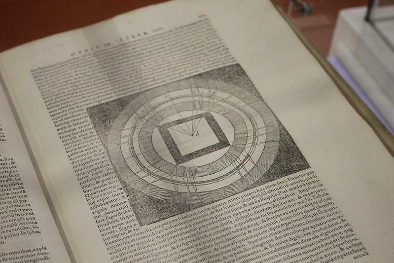 Kitab al-Manazir, Abu Ali Al-Hasan, 1572 - Foire du Livre de Charjah