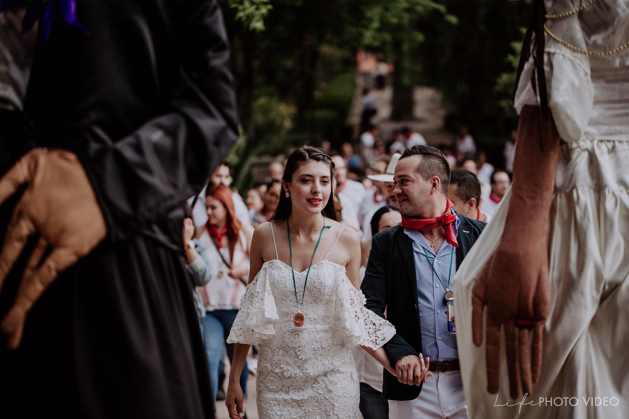 SanMigueldeAllende_Wedding_Callejoneada_Vaquillada_0061