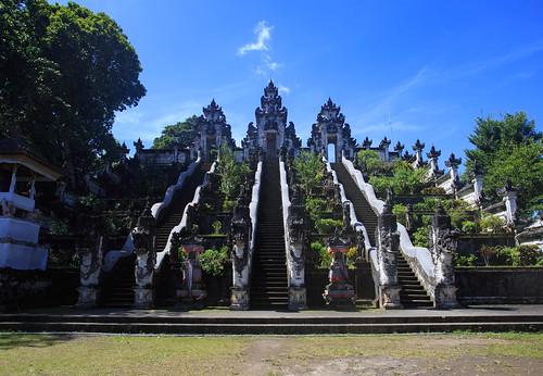 lempuyang-temple-1