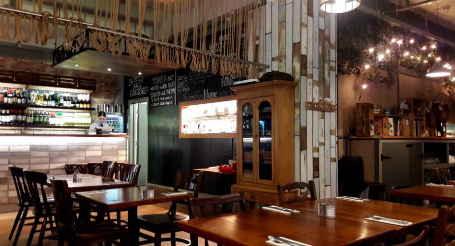 Belfast bezienswaardigheden, lunchen bij HOME | Mooistestedentrips.nl