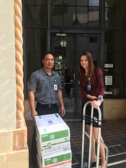 Hawaiian Electric's Holiday Food & Fund Drive - October-November, 2017: King Street food drive pick-up
