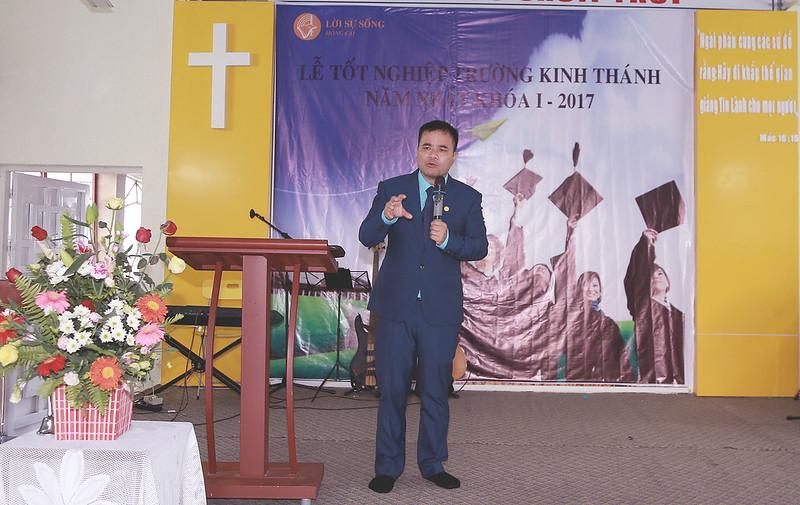 Le tot nghiep khoa hoc kinh thanh tai Mong Cai 11-2017 (3)