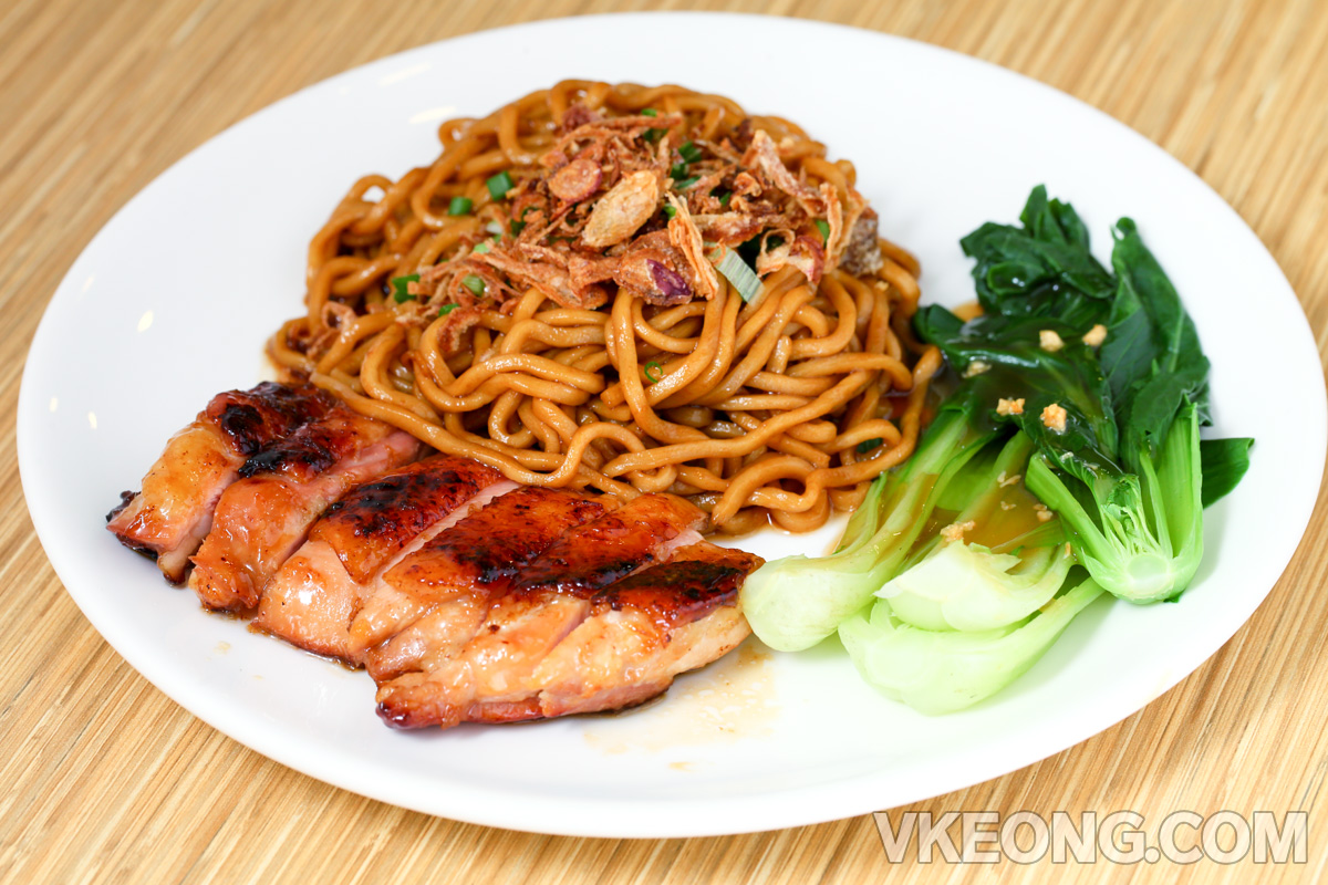 Dry-Noodle-with-BBQ-Chicken