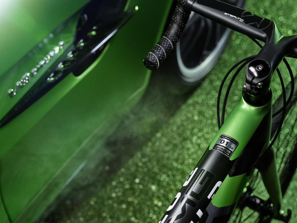 mercedes-amg-gt-r-inspired-rotwild-racing-bike-5