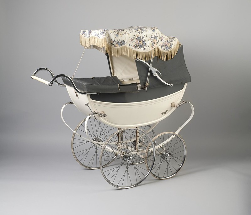 1959 Baby's Royale pram made in England by A & F Saward. V&A museum
