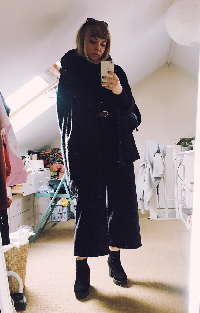 Autumn winter 2017 outfit lookbook corduroy cos wide leg trousers coat high neck uniqlo top vintage layering lyzi unwin