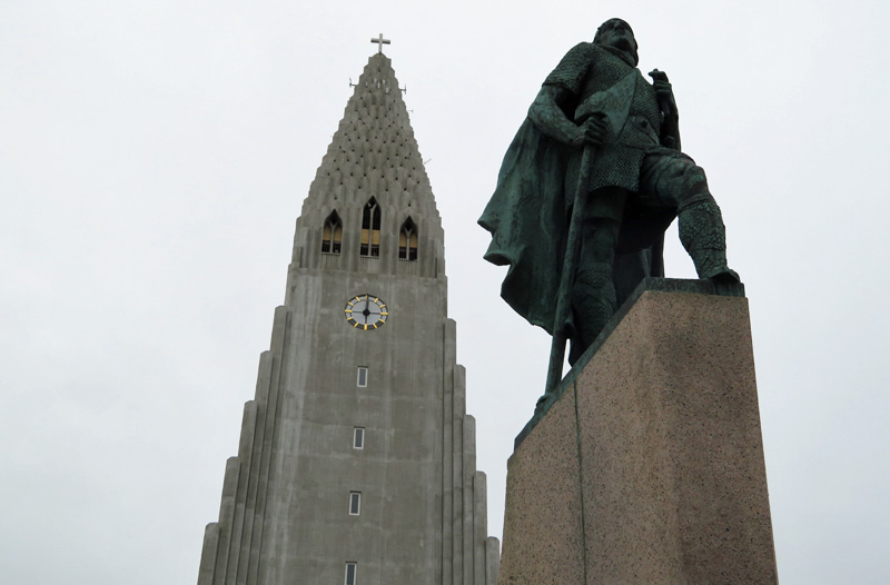 leif-erikkson-statue-iceland