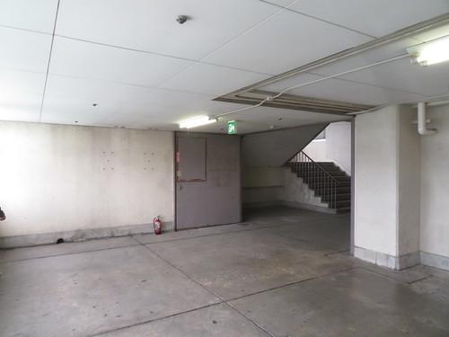 金沢競馬場の奥の階段