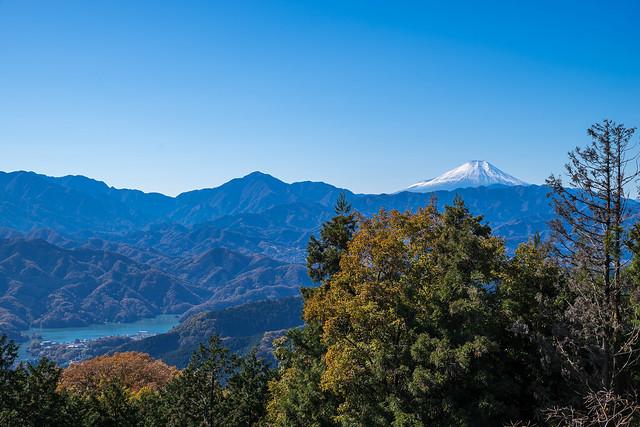 富士と相模湖@景信山