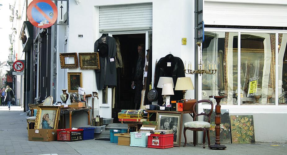 Antiek en tweedehands, Kloosterstraat Antwerpen | Mooistestedentrips.nl