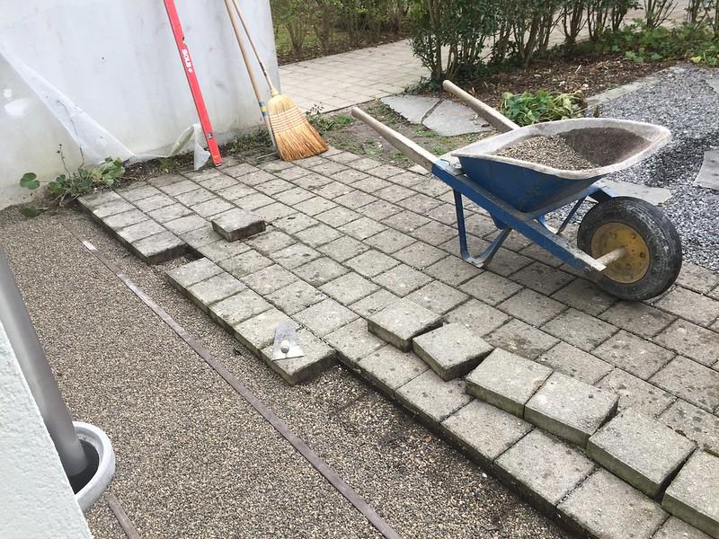Replacing tiles