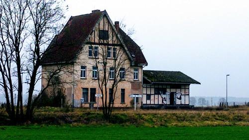 Ehemaliger Bahnhof Genzien