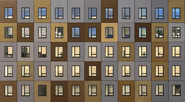Windows (Explore), Sony ILCA-99M2, Tamron 80-300mm F3.5-6.3