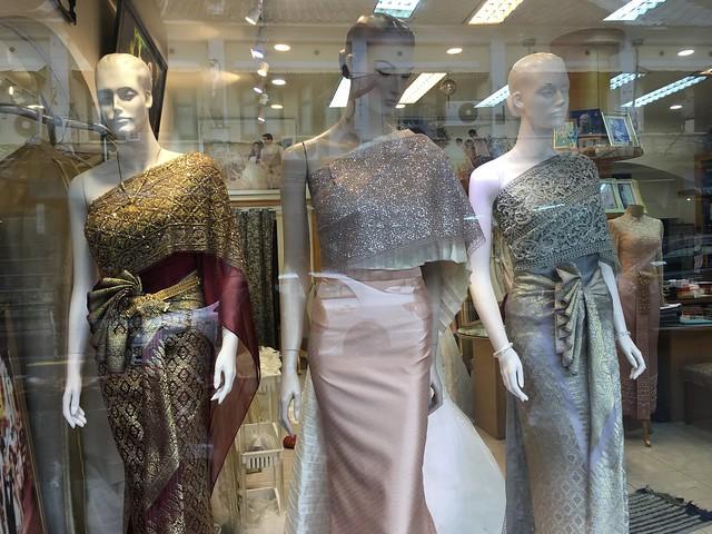 タイのウェディングドレスめちゃかっこいい