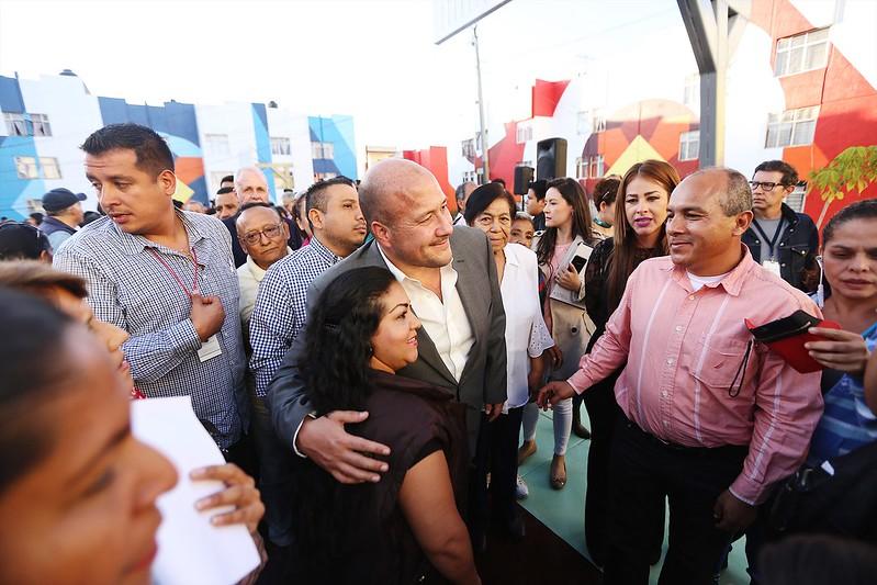 """24 Nov 2017 . El Presidente Municipal Enrique Alfaro asiste a la Ceremonia de Inauguración de la Intervención Urbana Boa Mistura """"Nierika"""""""