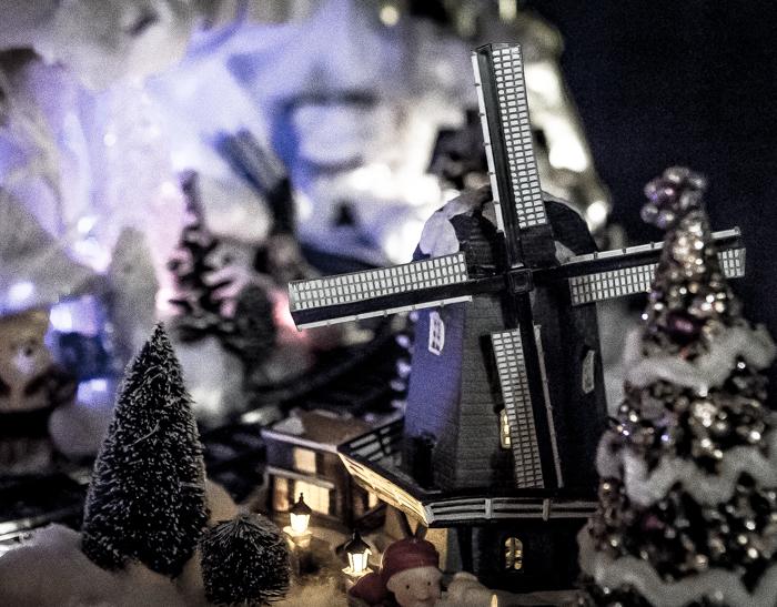 Loviisan Wanhat joulutalot talo nro 19 Kimmon joulumaa Kimmo Lonka tuulimylly askartelu